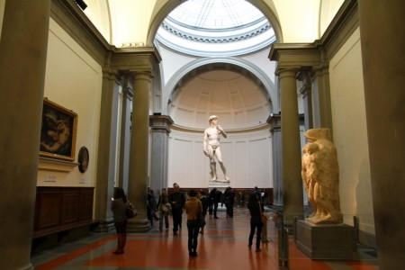 David_by_Michelangelo_in__Accademia